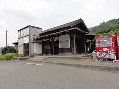 JR厳木駅 駅舎
