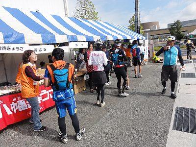 サイクルツアー北九州2013 第4エイドポイント スポーツデポ