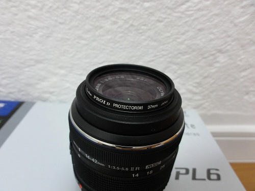 オリンパス 14-42mm F3.5-5.6 Ⅱ R プロテクター取り付け