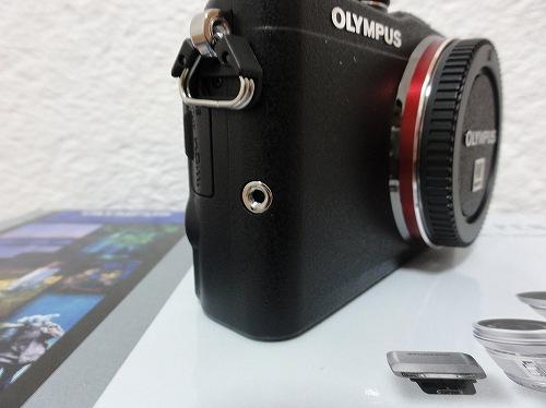 オリンパス PEN Lite E-PL6 グリップ取り付け穴