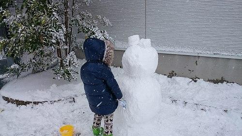 雪だるま作成中 2016冬 大雪 佐賀